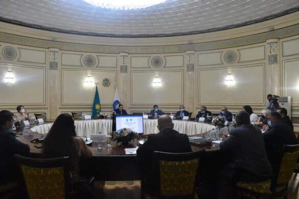 М. Азильханов встретился с представителями этнических СМИ