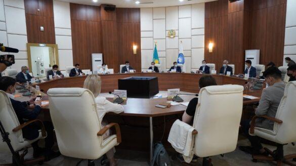 М.Әзілханов елордадағы жастар ұйымдарының жетекшілерімен кездесті